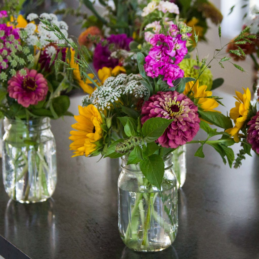 How To Make Mini Floral Bouquets From A Bucket Of Blooms Simple Leaf Farm